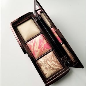 Hourglass ambient diffused light Palette new